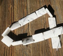 Magnesiitti laatta 24x17x5mm kookas irtohelmi
