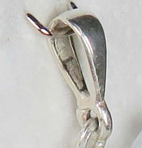 Riipuslenkki 925-hopeaa ja sen vaihtaminen ostettavaan riipukseen