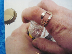 Pronssisormus Lätkäleijonasormus kruunukorkin avaaja koot 21,5-23