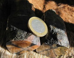 Kiastoliitti 6-7cm pitkä 150-155g