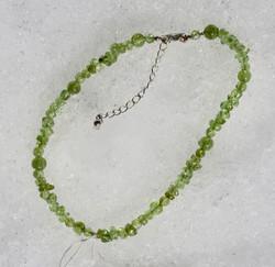 Rannekoru/nilkkakoru: Peridootti 22-27cm