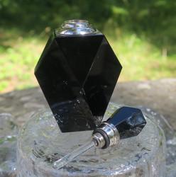 Parfyymipullo Obsidiaani korkeus 85mm leveys 45mm