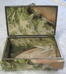 Rasia: Jaspisrasia c, kansi saranalla, ulkomitat 11x7x4cm
