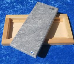 Kylmäkivi-kuumakivi 10x23cm vuolukivi, puualustalla