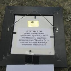 Taulu spektroliitti, purjelaiva 15x15cm Ylämaa Suomi nroA
