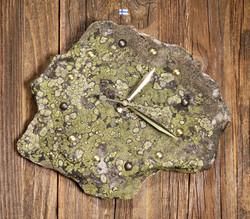 Seinäkello kvartsiitti sammalkivikello 20x23cm  Tervola Suomi nro310-4