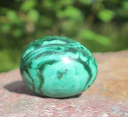 Kivimuna malakiitti vihreä raidallinen 27g 30mm