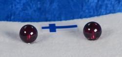 Nappikorvakorut almandiini  5mm rubiininpunainen granaatti
