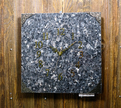 Seinäkello larvikiitti 30x30cm nro312-3