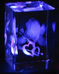 Kristallikuutio 6cm Ruusu, sydämet ja nuoli