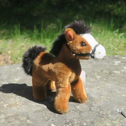 Pehmolelu poni, ponihevonen, pony