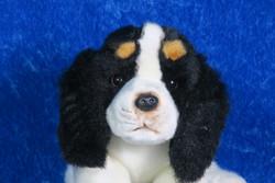 Pehmolelu Cavalier King Charles Spaniel, mustavalkoinen koira