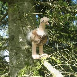 Pehmolelu strutsi lintu, korkkeus22cm,  nokasta pyrstöön 22cm