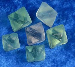 Fluoriitti kide alle 5g kaksoispyramidi oktaedri