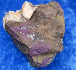 Purpuriitti raakapala 127g 70x50x25mm nro390-4 Namibia