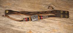Nahkarannekoru hirvilaatta somisterenkaat tummanruskea nahka nepparit