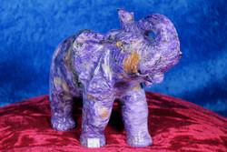 Kiviveistos elefantti, Tsharoiittinorsu, paino 1309g. Uniikki!