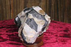 Mustaa turmaliinia, savukvartsia, maasälpää 9x6x4cm, 289g