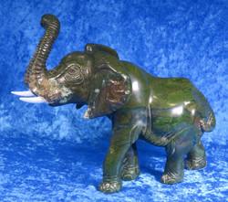 Kiviveistos Elefantti, verdiittinorsu 1700g nro9