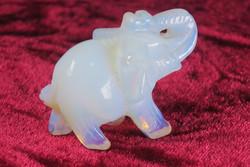 Kivieläin Elefantti, opaliittinorsu
