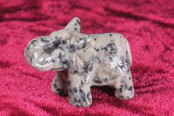 Kivieläin: Elefantti, graniittinorsu