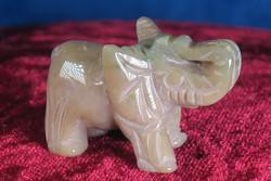 Kivieläin: Elefantti, akaattinorsu