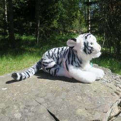 Pehmolelu Tiikeri, ISO valkoinen Rewantiikeri. Iso ja ihana!