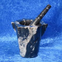 Mortteli: fossiilimortteli, korkeus 12cm, sileä