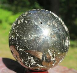 Pallo pyriitti 680g 63mm kivipallo