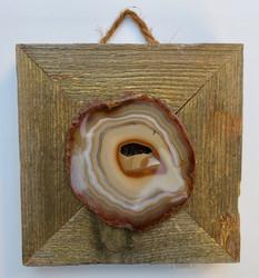 Taulu akaattilevy kullanhohtoisessa puukehyksessä, koko 14,3x14,3 cm