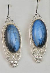 Korvakorut: emalikoru, sinitaivas, hopeoitu, 30mm, tausta koristeellinen