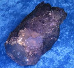 Fluoriitti violetti kidesykerö 59g nro2