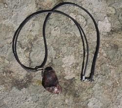Riipus Sihote-Alinin meteoriitti riipusnauhassa lukko. nro1