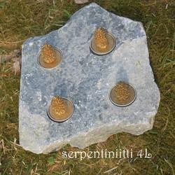 Tuikkualusta 4 tuikulle Serpentiniitti valitse nro K-L