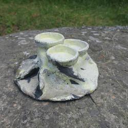 Tuikkualusta 3 tuikulle tai kynttilälle, 21cm, keramiikkaa