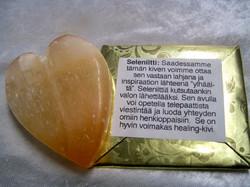 Seleniittisydän 130-150g 55-75mm, oranssi kivisydän