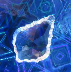 Kristallilasi koristeeellinen pisara 4cm, reikä siimalle