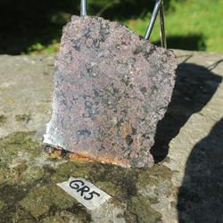 Granaatti siivu 120x110x13mm 440g almandiini nro GR5