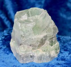 Fluoriitti vihreä raaka 121g 52x52x30mm  Kiina