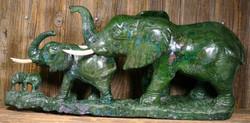 Kiviveistos norsuperhe, 3 elefanttia, verdiitti 11,5kg Muvez1