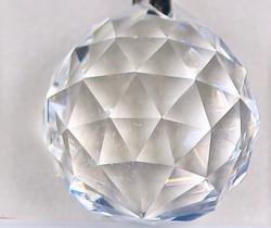Kristallipallo 3cm, ripustettava, viistehiottu