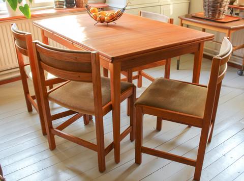 Siistit vintage tuolit, 4 kappaletta