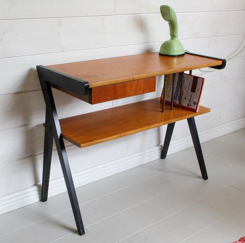 60-luvun hieno sivupöytä / puhelinpöytä / eteispöytä