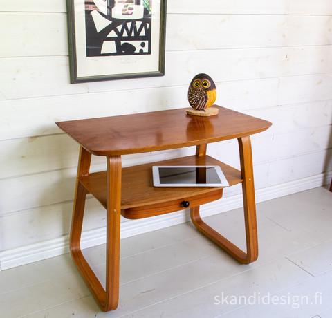 Vintage sivupöytä / eteispöytä / yöpöytä