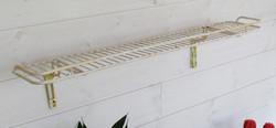 Vanha seinähylly / kukkalauta, muovitettua metallilankaa, pituus 80 cm