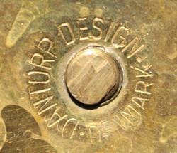 Messinkinen kynttilänjalka, Dantorp Design Tanska