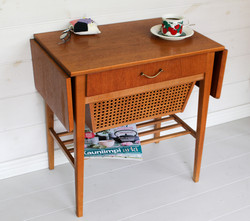 Vintage ompelupöytä / sivupöytä 60-luku, teak