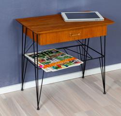 50-luvun String sivupöytä / yöpöytä