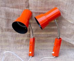 Retrot oranssit seinävalaisimet, myydään parina