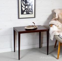 Sivupöytä 1960-luku, design Severin Hansen Jr, valmistaja Haslev